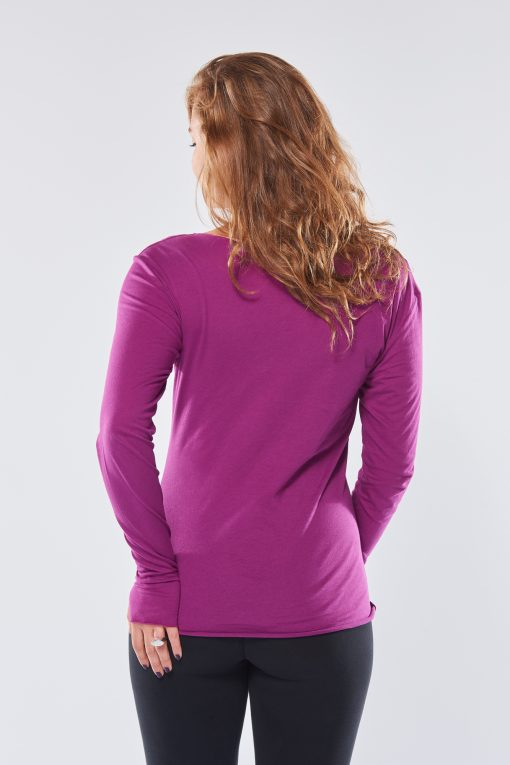 Protection yoga tee with long sleeves for women